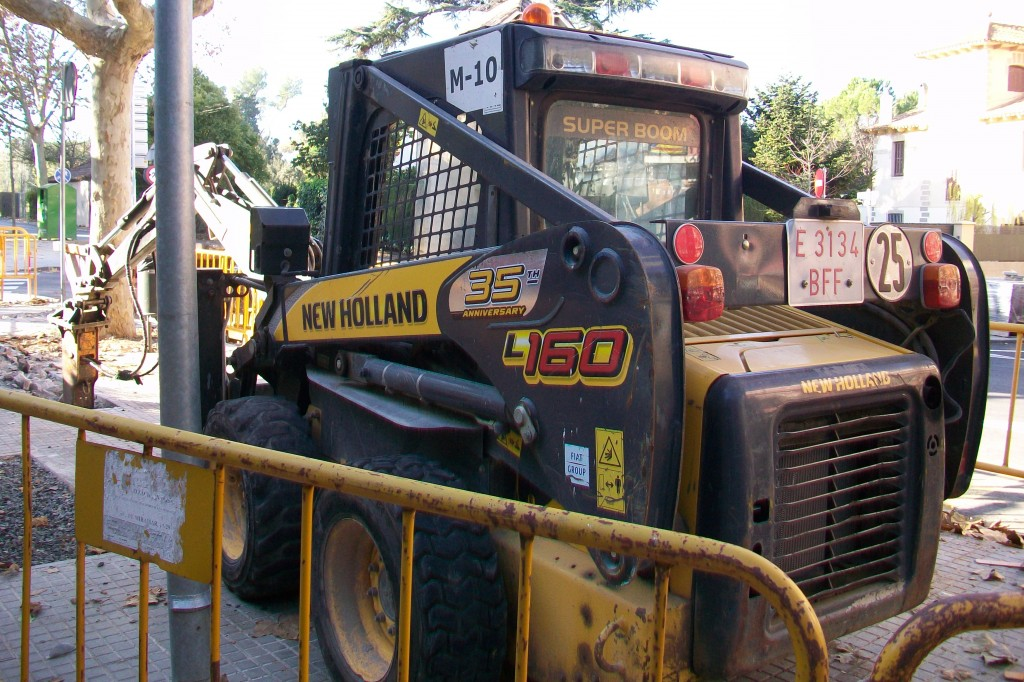 MINICARREGADORA NEW HOLLAND LS160